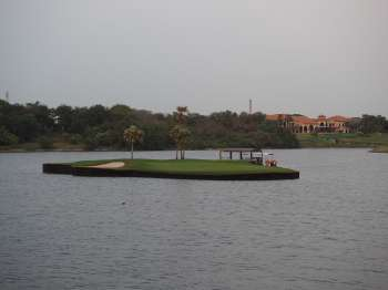 Island green 17th Hole