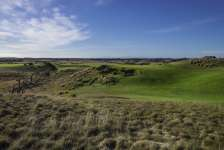 National Moonah 6th Hole Photo by Larry Lambrecht