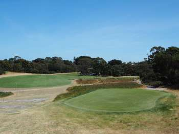 Royal Melbourne 6 West - Tee shot